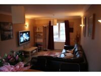 MASTER ENSUITE ROOM IN SPACIOUS CHELT HOUSESHARE