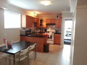 $700 Bright and spacious room w/ shared bathroom - Avail. Jan  1