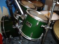 Pearl Forum drum kit in racing green