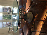 Gorgeous Kitchen Table with matching chairs