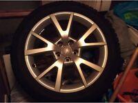 5-spoke V-design wheels with Dunlop SP Winter Sport winter tyre.