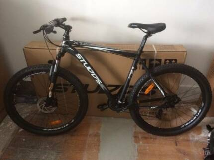 Brand New Shimano 27.5 Mountain Bike 21 speed