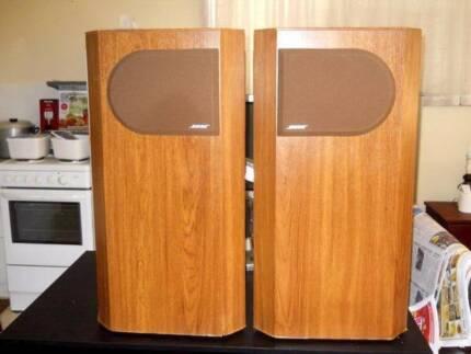 Bose 401 Floor Standing Speakers in Good Condition
