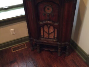 Antique victor radio *working