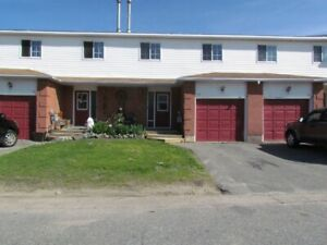 Ashley - 3bdrm plus a Den  2.5bthrm Townhouse