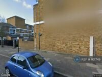 3 bedroom flat in Baltic House, London, SE5 (3 bed) (#931749)