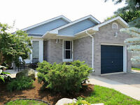 STRATHROY * GREAT VALUE! GREAT HOME!
