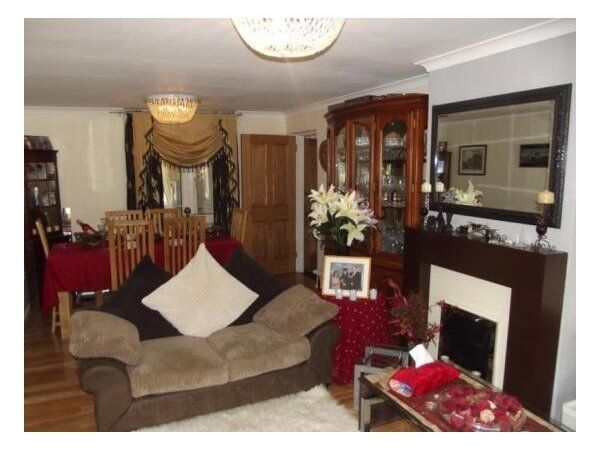 Immaculate 4 Bed family House located in Clayhall.