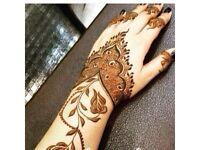 Treat yourself with Arabic henna !!!!!
