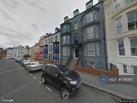 3 bedroom flat in New Queen Street, Scarborough, YO12 (3 bed)