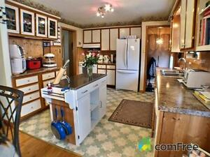 Brick Bungalow,  Ingleside Village, Motivated to sell Cornwall Ontario image 5