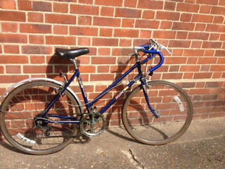 LADIES BLUE RACER ROAD BIKE 18IN SUN SOLO VINTAGE TOWN BIKE CITY BIKE CLASSIC LIGHTWEIGHT FAST BIKE