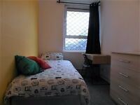 Single room available in Limehouse station. £145pw all incl