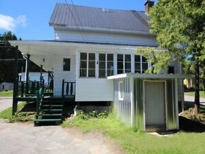 Maison avec garage Lac-Saint-Jean Saguenay-Lac-Saint-Jean image 3