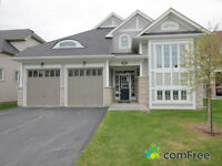 Collingwood / Wasaga Beach Bluewater 4 Season Waterview Home