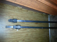 PAIR OF ROOF RACKS TO FIT UP TO 41 INCH SIDE RAILS ( VERY ADJUST