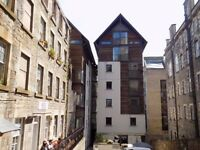 Double Room for 1 person in a lovely flat, Old Fishmarket Close (Royal Mile)