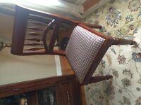 Superbes chaises en bois de merisier