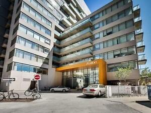 2 BEDROOMS CONDO FOR RENT IN HEART OF DOWNTOWN TORONTO