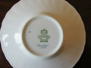 AYNSLEY BONE CHINE FROM ENGLAND GLENDALE SAUCER West Island Greater Montréal image 2