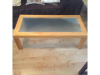 Coffee table and nest of tables.. £20 Ono want away ASAP