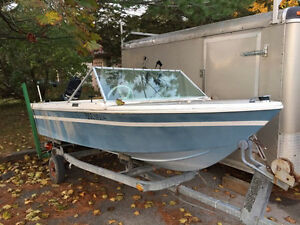 Free 14' fibreglass boat - boat only