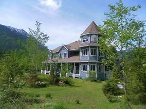 51 Acres,8bd/9 1/2bth, Country Victorian