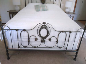 Queen size Antique Brass and Iron Bed