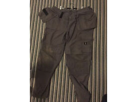 MASCOT 38R Tough work pants with outer pockets