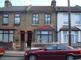 Spacious 3 Bedroom house with garden and excellent transport links available to rent now!