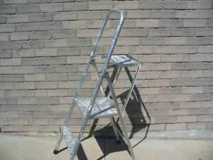 Aluminum Platform Ladder with Tool Holder