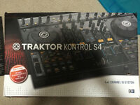Traktor S4 with Box and USB Cable & NI Account Info