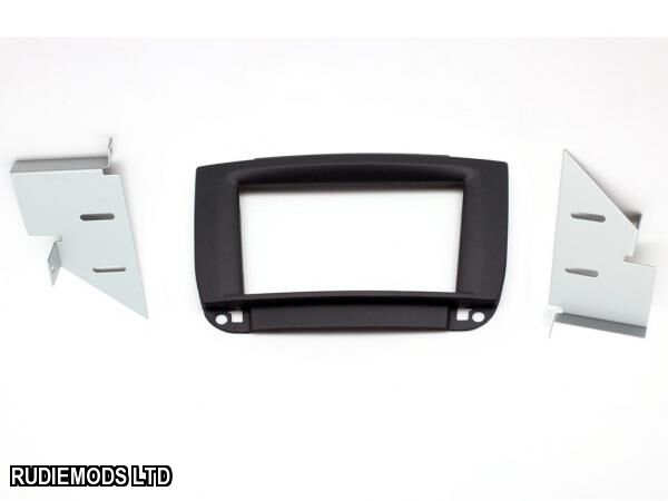 Connects2 CT23MB22 Mercedes CL W215 98-05 Double Din Stereo Facia Black