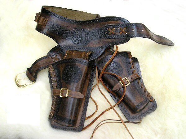 DOUBLE RIG DUAL TONE LEATHER WESTERN HOLSTER & BULLETS