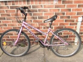 GIRLS PURPLE PUSH BIKE WITH 5 GEARS SUIT 10 TO 13 YEAR OLD GOOD CONDITION