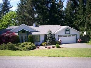 DUNCAN, BC - MAPLE BAY -EXECUTIVE RANCHER ON SOUGHT AFTER STREET