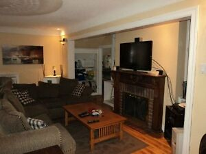 *Gorgeous 4 bedroom Suite * Sandy Hill & Daly Ave-Ottawa U-