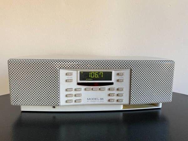 Cambridge SoundWorks Henry Kloss Original Model 88 Radio