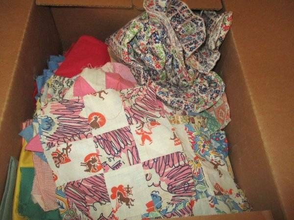 ALMOST 8 LBS VINTAGE QUILT FABRIC & FEED SACK PIECES ALSO SOLIDS