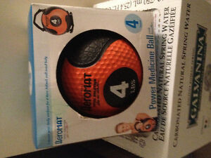 Deluxe Medicine Ball 4 LB Black / Orange