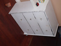 small Distress Glam 3 drawer dresser