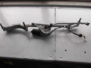 Mercedes wiper linkage and motor A2038200342