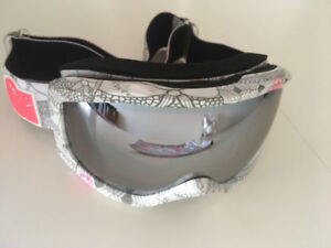 Roxy Goggles Women for snowboard or skiing