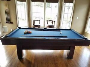 Brunswick Hawthorn pool table 4x8 proffesional
