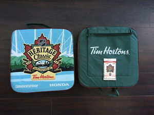 NHL Heritage Classic Seat Cushions + Extras - MINT