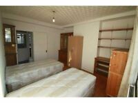 FABULOUS TWIN ROOM TO SHARE WITH A FRIEND IN A MODERN FLAT (MORE ROOMS AVAILABLE)28I