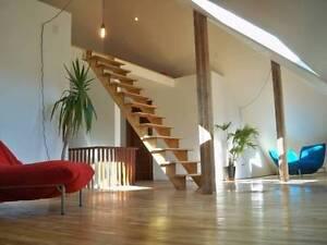 Bright Modern Loft Facing Victoria Park