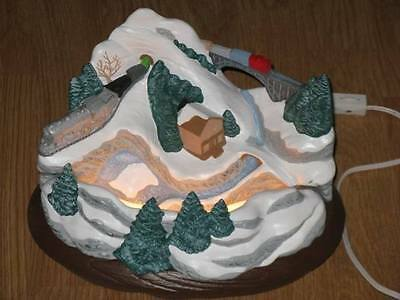 Christmas Holiday Winter Mountain Scene Tabletop Lighted Decor Piece (Christmas Scenes Decorations)