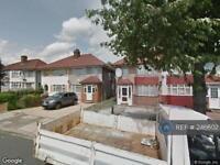 1 bedroom in Daryngton Drive, Greenford, UB6