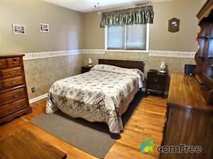 Brick Bungalow,  Ingleside Village, Motivated to sell Cornwall Ontario image 4